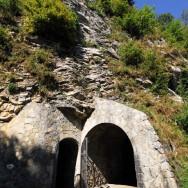 Entrée de l'abri-caverne