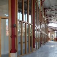 Intérieur rénové du marché