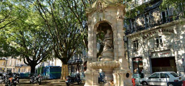 Fontaine de la place Charles Gruet (Bordeaux)