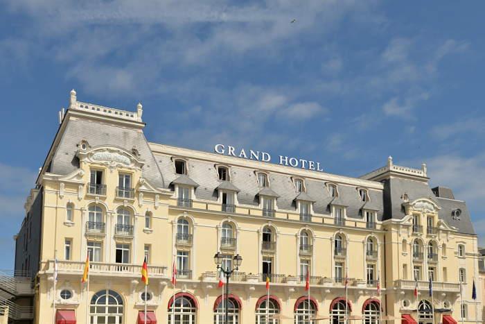 Grand h tel de cabourg c 39 est en france for Chambre 414 grand hotel cabourg